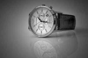Quà tặng độc đáo với chiếc đồng hồ đeo tăng mang nhiều ý nghĩa